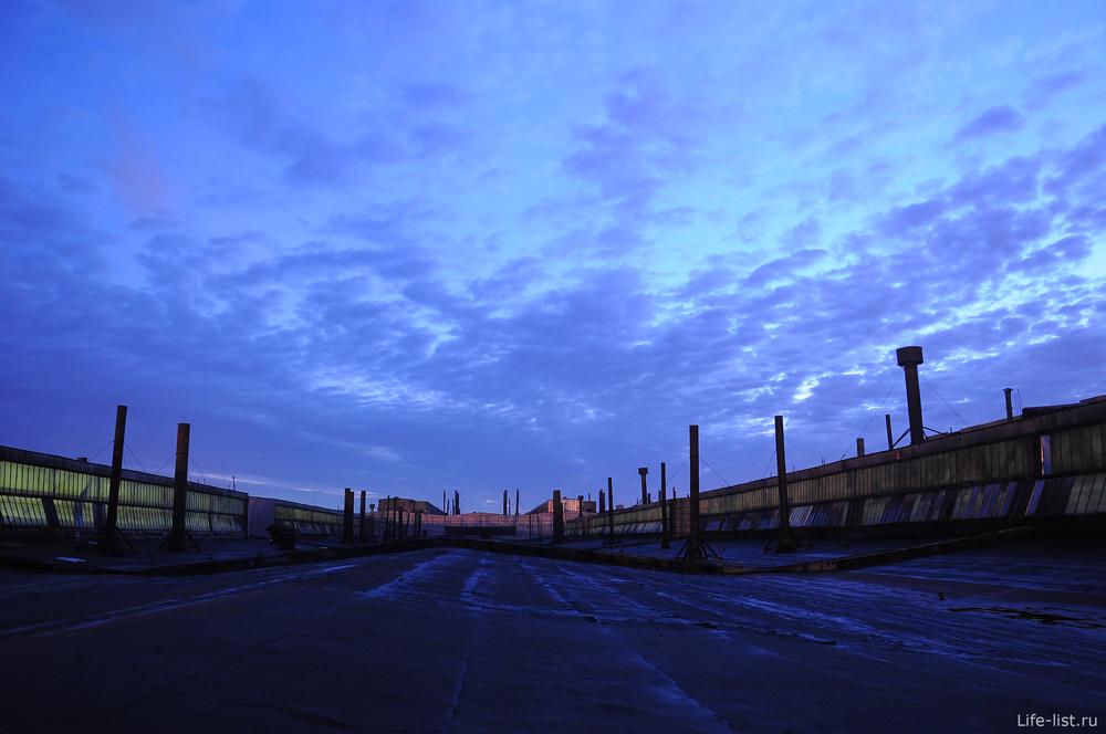 Огромная крыша ВИЗ завода
