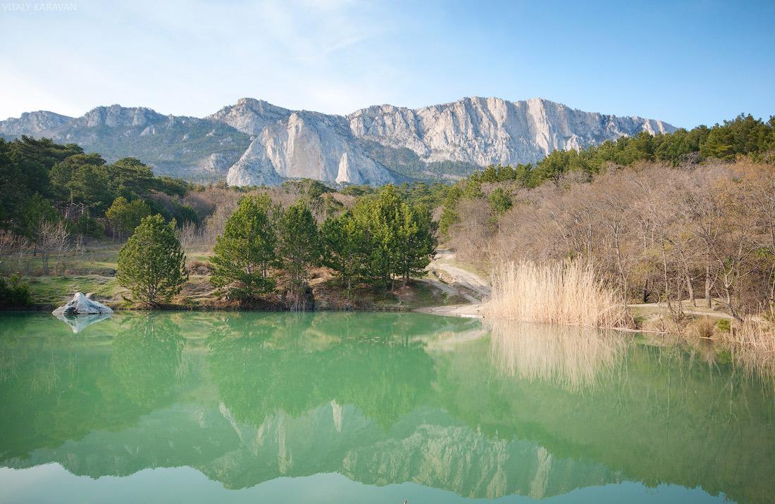 Озеро в ялтинском природном заповеднике Крым