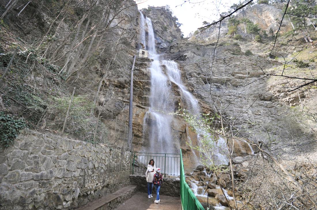 водопад Учан-су в апреле Крым Ялта фото