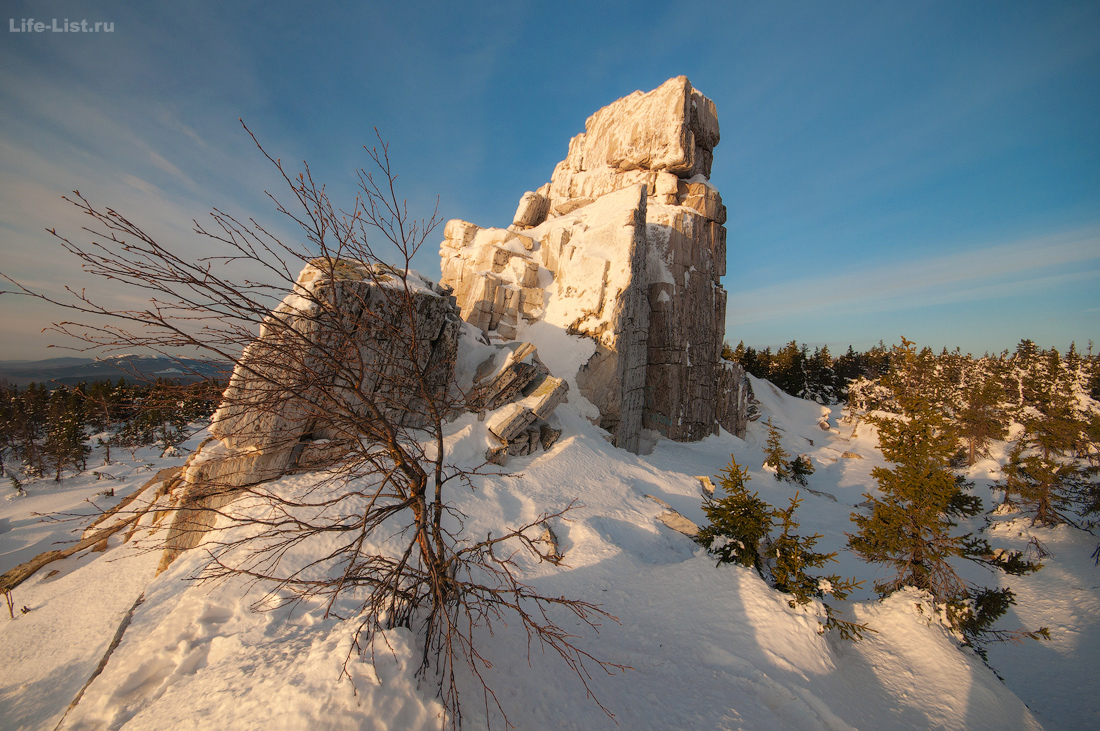 Скалы Чертовы Ворота хребет Юрма